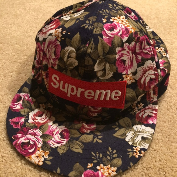 Supreme Floral Hat. M 5afe396edaa8f60db9472e0c 66350114066